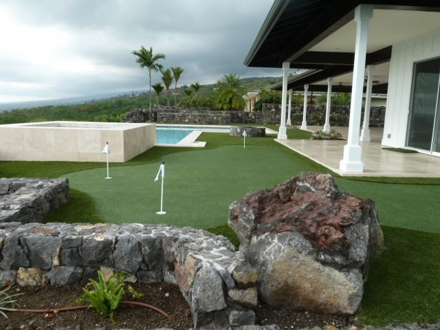 Artificial putting turf in Hawaii.